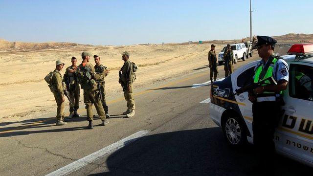 Des soldats dans le Sinaï.  [Ronen Zvulun/Reuters]