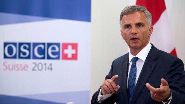 Le président de l'OSCE et président de la Confédération Didier Burkhalter a exprimé sa gratitude à tous les Etats ayant travaillé à cette libération. [Gian Ehrenzeller - Keystone]