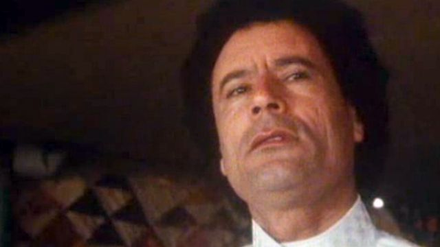 """Chez Kadhafi"" - Temps Présent du 24 novembre 1982. [RTS]"