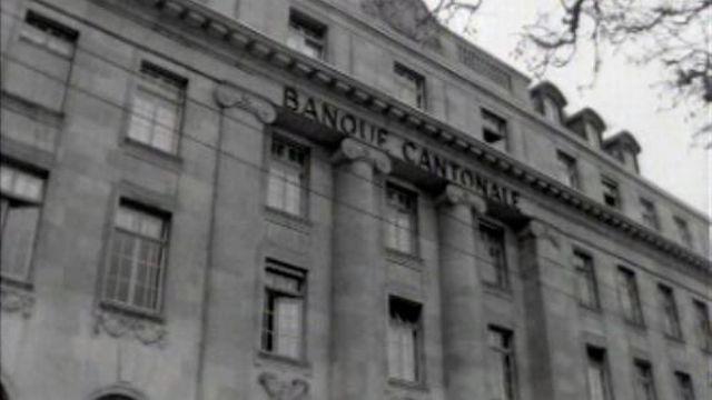 La Banque cantonale de la Chaux-de-Fonds victime d'un attentat ! [RTS]