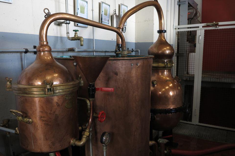 On distille aussi la vodka en Suisse.