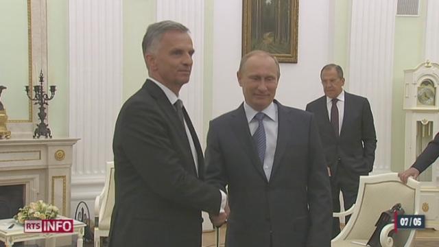 Vladimir Poutine promet un retrait de ses troupes de la frontière ukrainienne [RTS]