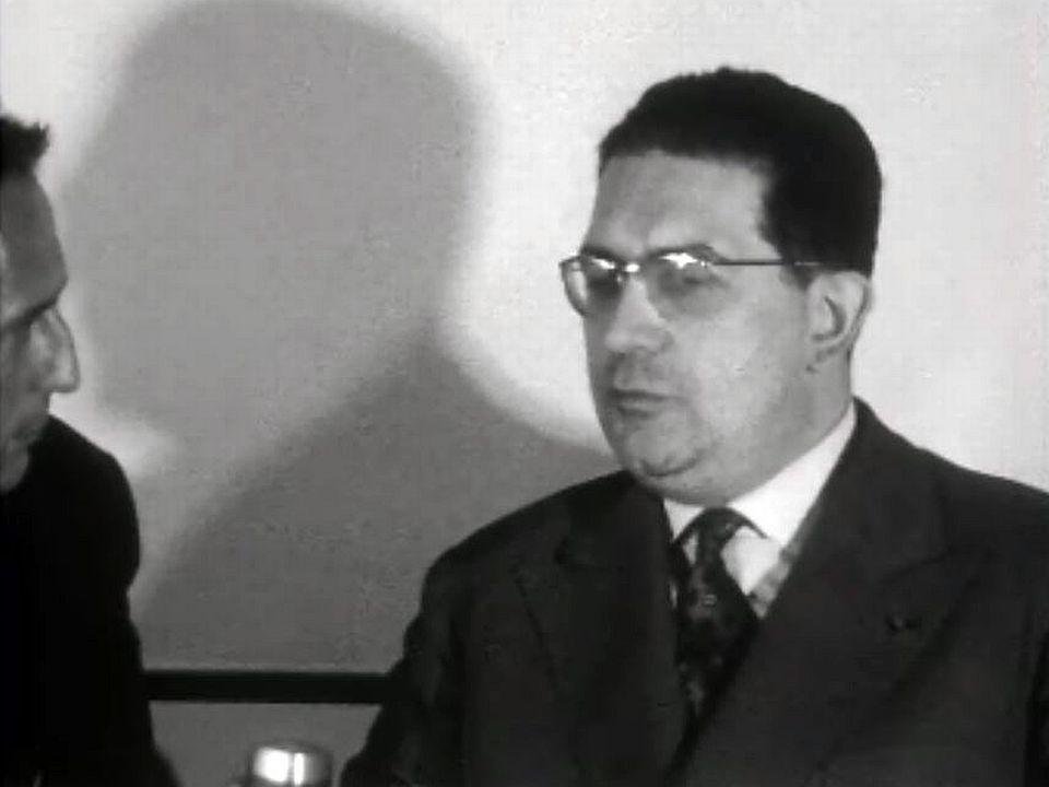 Jacques Soustelle commente la nouvelle constitution.