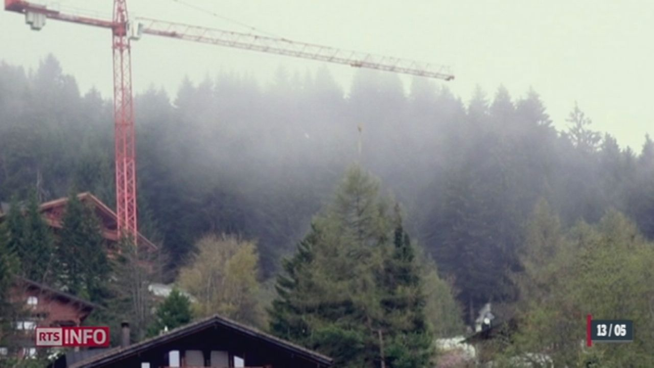VD: le chantier d'un énorme chalet de luxe à Villars est entaché d'infractions multiples [RTS]