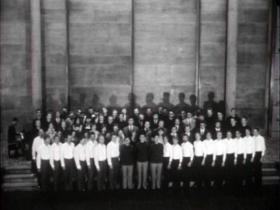 Qui sont ces jeunes chanteurs fribourgeois? Des étudiants?