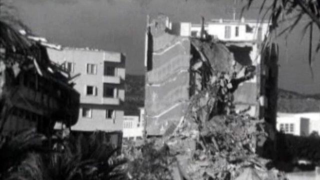Un séisme a complètement détruit la ville marocaine d'Agadir.
