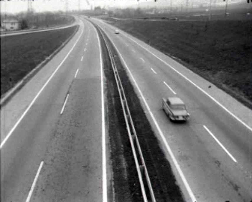 inauguration de l 39 autoroute emission sans nom. Black Bedroom Furniture Sets. Home Design Ideas