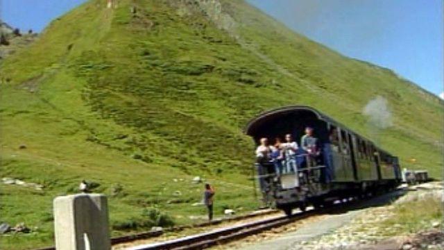 Des passionnés de trains à vapeur ont remis en fonction la ligne.