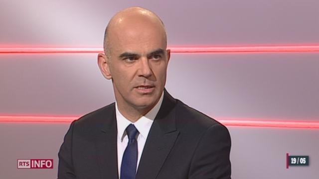 Votations - Gripen: les explications d'Alain Berset, Chef du Département fédéral de l'intérieur [RTS]