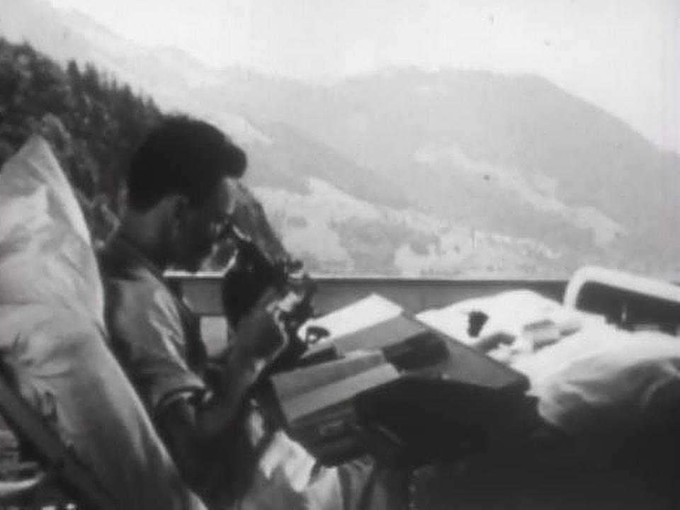 Etudiant dans un sanatorium à Leysin en 1944. [RTS]