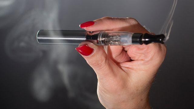 Cigarette électronique. [Philippe Christin - RTS]