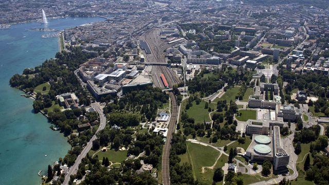 Vue aérienne de Genève avec au premier plan le Palais des Nations. [Denis Balibouse - Reuters]