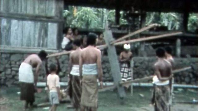 Tenganan a gardé son propre calendrier à Bali.