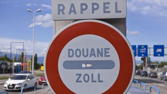 Selon Fedpol, les passeurs considèrent la région genevoise comme un itinéraire plus sûr que le Tessin pour faire pénétrer des migrants en Suisse. [Martin Ruetschi]