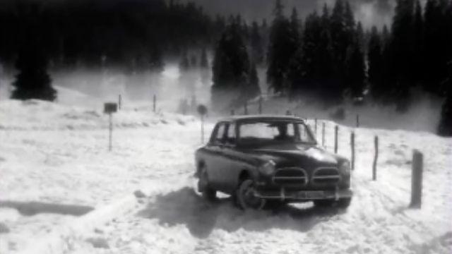 Conduite sur glace: évitez d'être crispé au volant. [RTS]