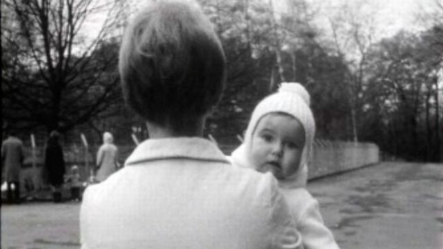 Etre mère célibataire dans les années 60. [RTS]