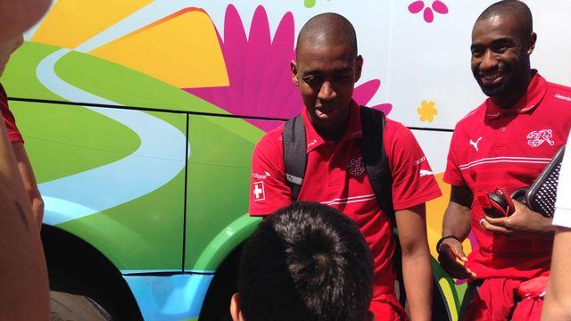 Fernandes et les Suisses ont été très bien accueillis à Porto Seguro. [Miguel Bao - RTS]