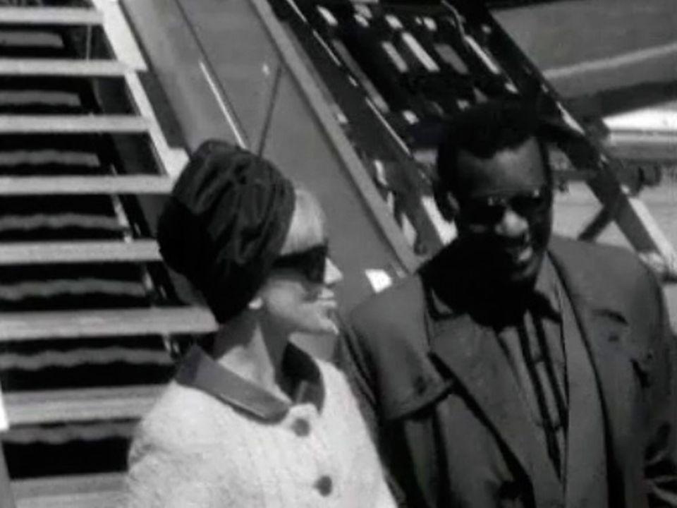 Ray Charles de passage à Cointrin en 1964. [RTS]