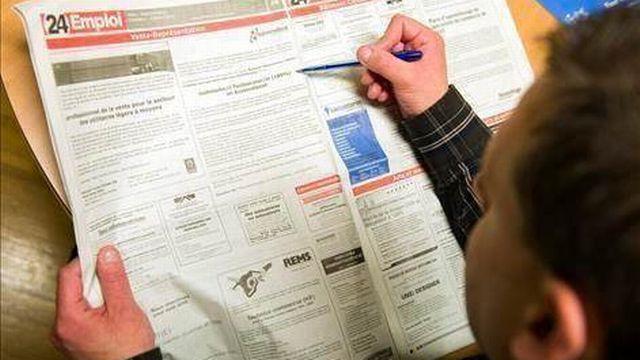 La baisse du chômage amorcée en février se confirme. [Keystone]