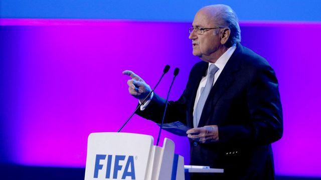 Le jeu d'échecs entre Blatter et Platini semble devoir se poursuivre. [Sebastiao Moreira - Keystone]