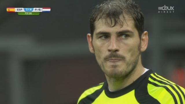 """Groupe B, ESP-NED (1-4): immense """"boulette"""" de Casillas qui permet à Van Persie d'inscrire le 1-4 [RTS]"""