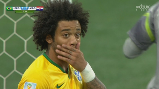 Groupe A, BRA-CRO (0-1): coup de tonnerre à Sao Paulo! Les Croates ouvrent le score grâce à un centre de Olic que Marcelo pousse dans son propre but [RTS]
