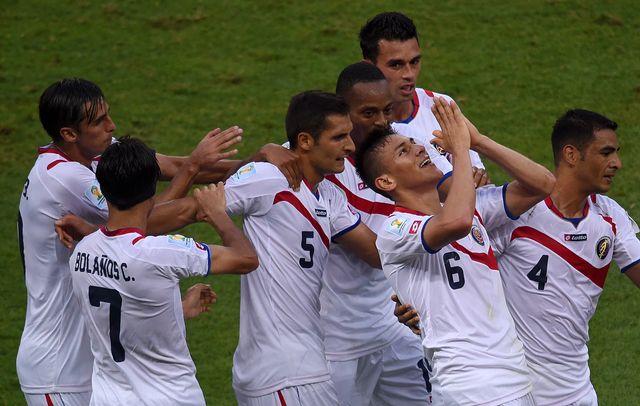 Duarte (6) et ses coéquipiers jubilent après avoir inscrit le 2-1. [Christophe Simon - AFP]