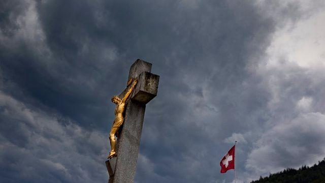 Le Valais pourrait voter sur une nette séparation de l'Eglise et de l'Etat. [Arno Balzarini - Keystone]