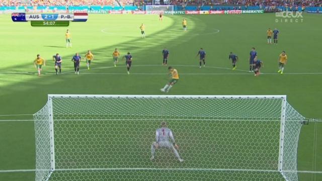 Groupe B, AUS-NED (2-1): le capitaine australien Jedinak prend l'avantage sur ce match en marquant un penalty [RTS]