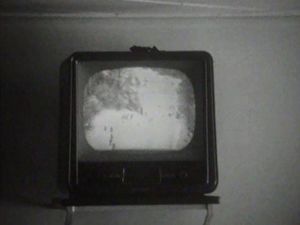 A Romont, une salle de classe est équipée d'une télévision. [RTS]
