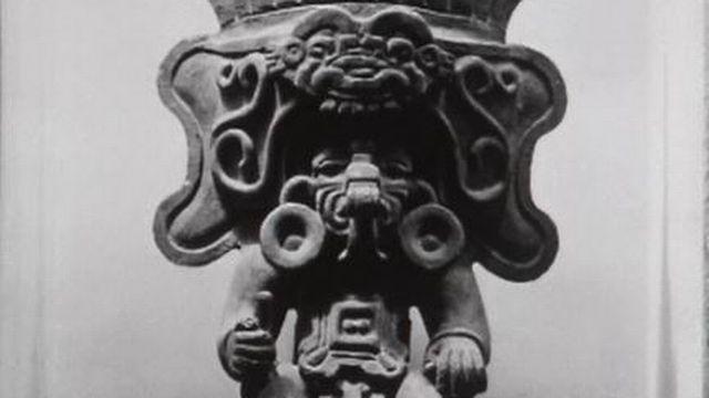 Chez les Mayas, dans la cité radieuse de Teotihuacan. [RTS]