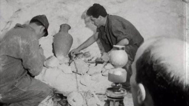 Les méthodes de fouilles archéologiques les plus modernes. [RTS]