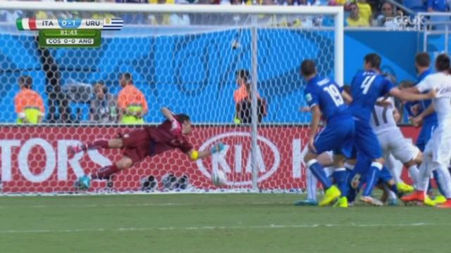 Groupe D, ITA-URU (0-1): Diego Godin délivre l'Uruguay avec cette réussite de la tête. L'Italie est dos au mur si elle veut voir les 1-8 [RTS]