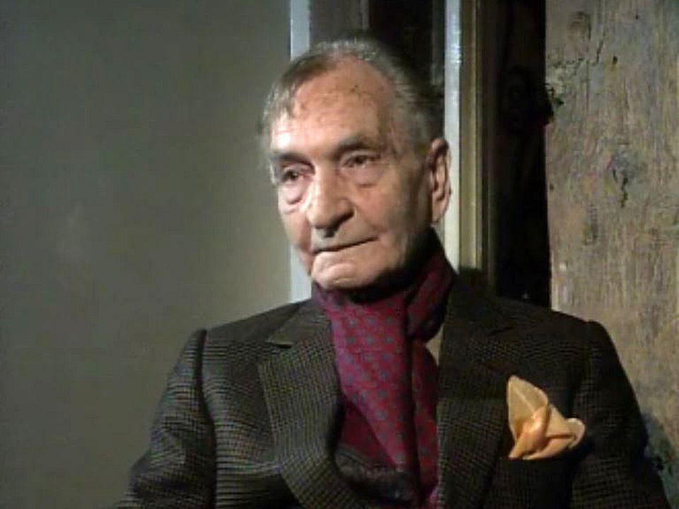 Une des rares interview de l'écrivain égyptien installé à Paris.