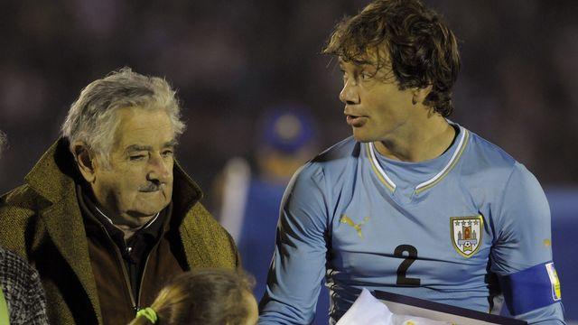 Le président Jose Mujica lors d'un match de l'équipe d'Uruguay à Montevideo le 4 juin dernier. [Keystone]