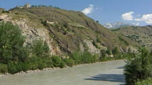 Les berges du Rhône en juin 2005 [RTS]
