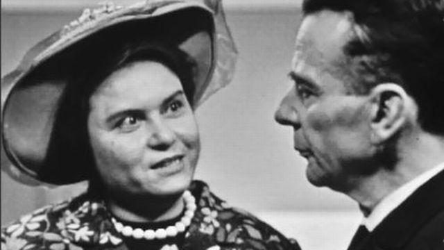 Pas facile de raisonner la femme d'un cosmonaute perdu! [RTS]
