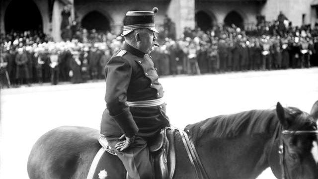 Ulrich Wille, le commandant en chef de l'armée suisse durant la 1ere guerre mondiale. [Domaine public, Wikimcommons]
