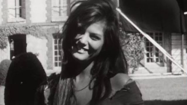 En 1961, la sublimissime actrice est interviewée par Carrefour. [RTS]