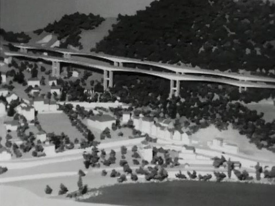 La future autoroute A9 au-dessus de Chillon en 1965. [RTS]
