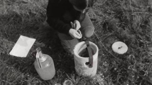 La pollution au mazout a pu être contrôlée et maîtrisée à Conthey. [RTS]