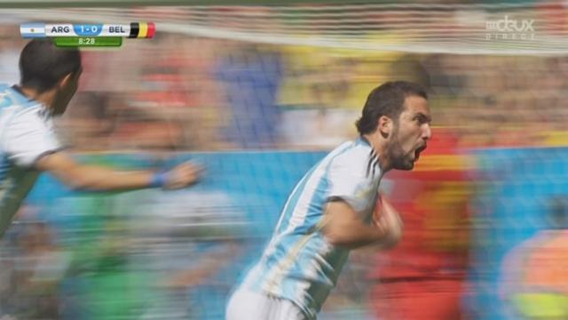 1-4, ARG-BEL (1-0): les Argentins prennent l'avantage après 7 minutes de jeu avec cette réussite de Gonzalo Higuain [RTS]