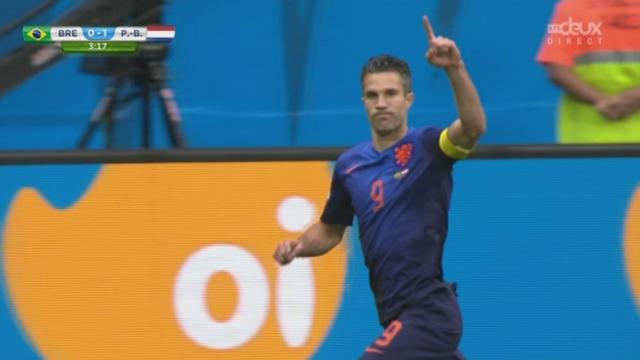 Petite finale, BRA-NED (0-1): Thiago Silva accroche Robben dans la surface, Van Persie transforme sans trembler [RTS]