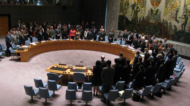 Le Conseil de sécurité de l'ONU a observé une minute de silence au début de la réunion d'urgence. [Don Emmert - AFP]