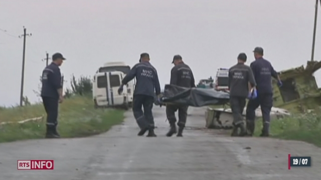 Crash Malaysia Airlines: les premiers enquêteurs sont arrivés en Ukraine [RTS]