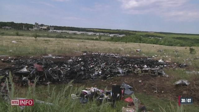 Crash de l'avion Malaysia Airlines: les corps ont été évacués du site principal [RTS]