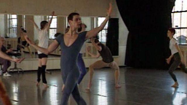 Frédéric Gafner travaille avec le chorégraphe Merce Cunningham.
