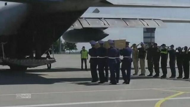 Les corps des victimes du vol MH17 ont quitté l'Ukraine [RTS]