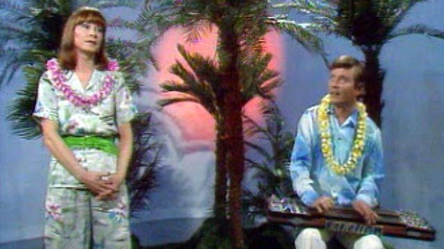 Arlette Zola et Jean Hemmer, son musicien, rêvent d'Hawaii.