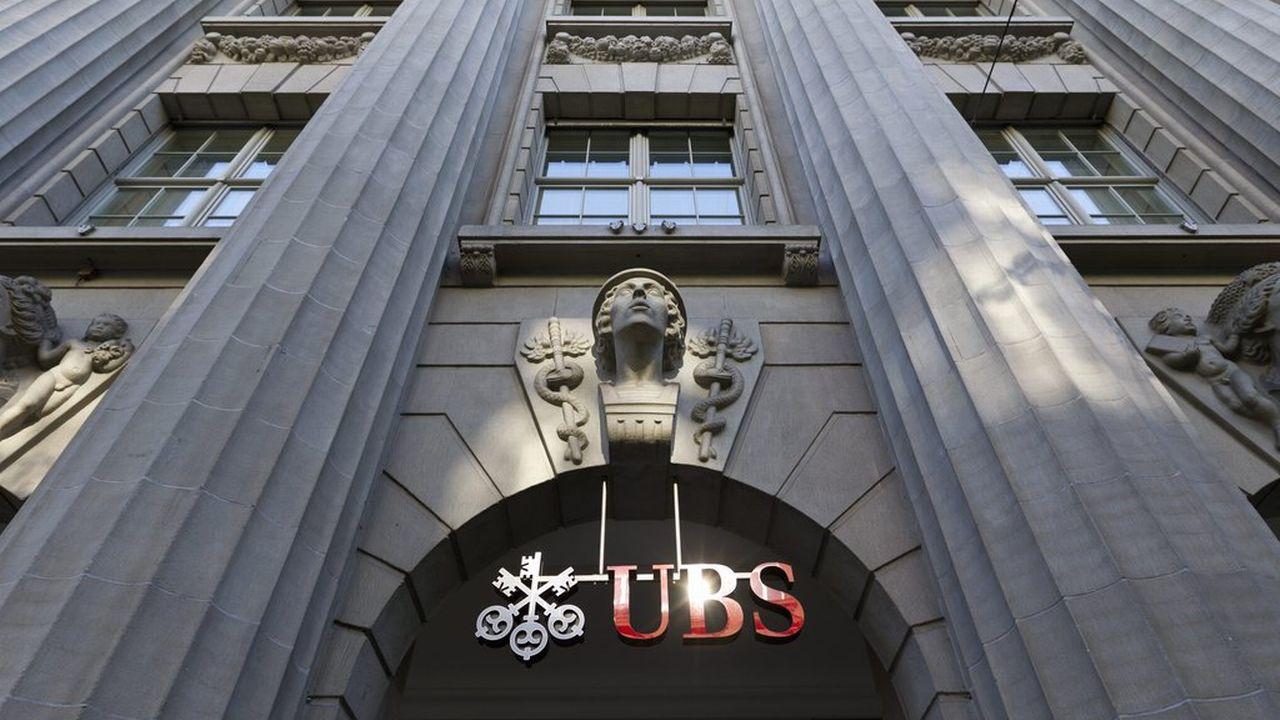 Certains employés d'UBS ne pourront plus se rendre en France, pas même pour faire leurs commissions. [Alessandro Della Bella - Keystone]